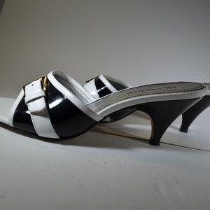 Anne Klein Black/White Sandals